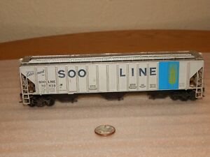 Athearn HO SOO Line #70638 ~ 3  Bay 55' Colormark Covered Hopper ~ Grain Car