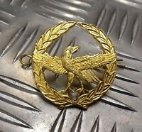 Genuine Military Issue Eagle Span Laurel Leaf Insignia Metal Hat Badge - NEW