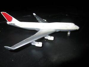 VINTAGE  Airways Airplane Boeing 747 BY WELLY DIE CAST