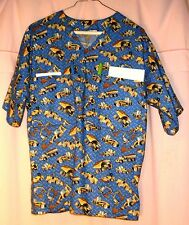 Construction Machines Scrubs Top w 4 Pockets (2 in BACK) Mens size Small FSMTP12
