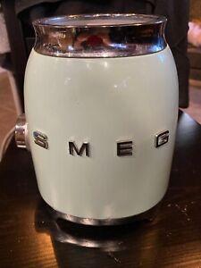 SMEG Blender Vert d'eau BLF01PGEU (Base uniquement)