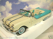"SUN STAR 1/18 1955 PONTIAC STAR CHEF & FIGURINES ""I LOVE LUCY"" BLEU & CRÈME 5057"