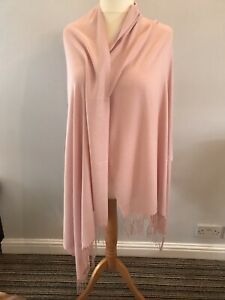 PASHMINA SCARF LARGE 90/% Cashmere 10/% Silk In A Beautiful Dusky Pink Colour .