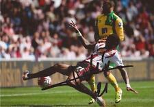 Sunderland: Yann m'vila signé d'action 6x4 PHOTO + COA