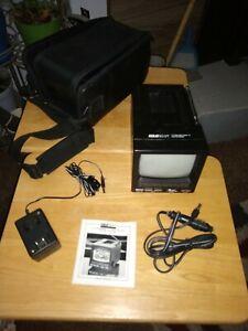 """Goldbeam 5"""" Portable TV Black & White Screen  12 v. HD 207"""