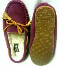Clarks Eskimo Kiki Cloud  Ladies Berry Suede Moccasin Slippers Size Uk 8 D EU 42