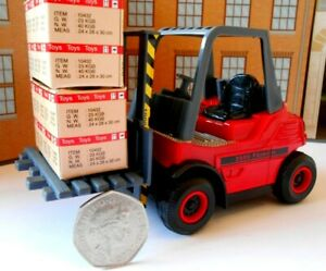 PERSONALISED NAME FORK LIFT TRUCK Toy Car MODEL boy girl dad BIRTHDAY GIFT NEW!