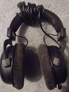 beyerdynamic Dt 880 250 Ohm Pro Semi-Open Studio Headphones Black - Limited Ed.
