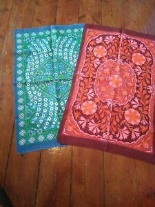 2 x Vintage Pure Linen Tea Towels  FLOWERS  🙂