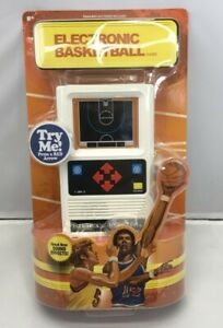 ELECTRONIC BASKETBALL 1970's Retro Mattel Classic Hand Held Travel Video Game