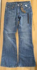 NWT Refuge Bootcut Jeans Manhattan Medium Wash Low Rise Size 11 Distressed