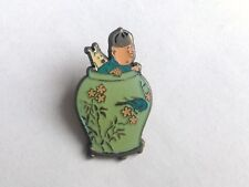 Pin's Tintin Potiche  Coinderoux N° 60  PARFAIT ETAT