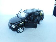 Maisto Mercedes-Benz ML 320 1:18  In BLACK GOOD CONDITION  Ohne OVP