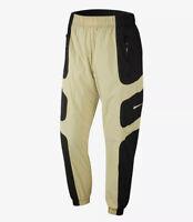 Nike Sportswear NSW Re-Issue Woven Pants Black Gold White SZ ( BV5215-011 )