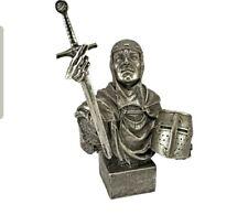 The Quest Gothic Knight Statue Design Toscano