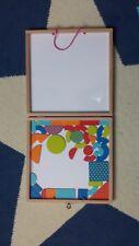malette en bois géoforme geoform de djeco avec 20 cartes tangram