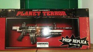 NECA PLANET TERROR GRINDHOUSE CHERRY'S PROP REPLICA GUN
