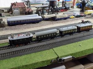 KLEINBAHN 128014, ELECTRIC ENGINE WITH THREE WAGONS, SCALE HO