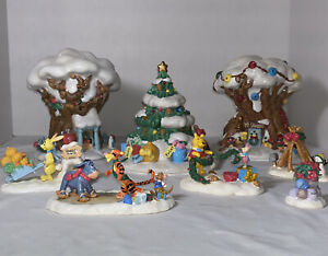 Vintage Disney Christmas In The 100 Acre Wood Lighted Village 8 Piece Set