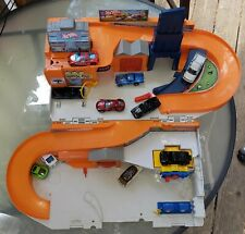Hot Wheels Sto Go Playset Service Center Carry Fold Mattel 2015 + 10 Vehicles