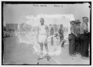Pete White,running,races,runners,spectators,crowds,paths,trail,Bain News S 9621