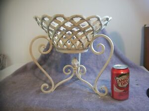 VTG RARE FRENCH CAST IRON LATTICE GARDEN URN SCROLL FEET PLANTER WITH FINIAL !!