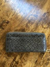 Womens Wallets/Tusk Gray Animal Textured Leather Zip Wallet