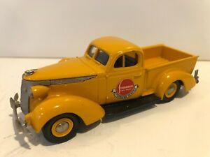 U.S. Model Mint 1:43 1937 Studebaker Coupe Express Pickup - Gold with Logo