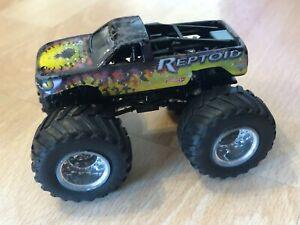 Hot Wheels Monster Jam Reptoid Vehicle - Monster Truck
