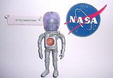 Vintage 1968 Colorforms Outer Space Men Electron Figure Helmet Major Matt Mason