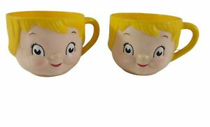 """Set of 2 ~ Vintage Campbell's Soup """"DOLLY DINGLE"""" Plastic Mugs ~ 2 5/8"""" Tall"""