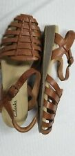 Clarks tan strappy comfort sandals size 10 NWOB 🌄