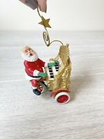 Hallmark Keepsake Ornament  1994 Santa's Sing Along    light & music
