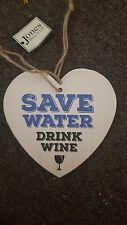 Ahorrar agua beber vino corazón signo de madera