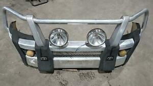 TOYOTA HILUX FRONT BUMPER BULL BAR, 4WD, ALLOY, 03/05-06/11 GENUINE WITH MOUNTIN