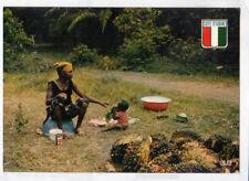 ABIDJAN (COTE D'IVOIRE) FEMME Palmiste & bébé / RECOLTE de PALMES en 1980