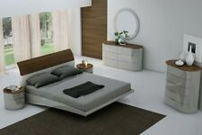 Amsterdam Bedroom Set in Grey Finish - 5 pcs Queen Size