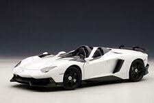 """ "" 1:18 Autoart Lamborghini Aventador J (Monocerus BIANCO/BLANCHEUR) 2012"