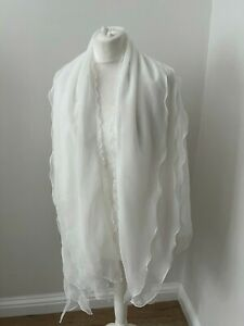 Lovely frilled shawl / wrap from Wonderful Wraps, great condition