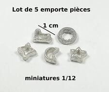 5 emporte pièces ,miniature maison de poupée,vitrine,cuisine,métal *CL9