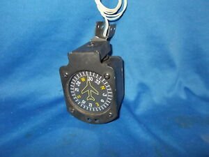 VERTICAL CARD COMPASS W/PIPER CHEROKEE STYLE BRACKET