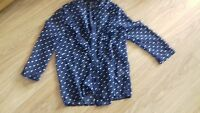 BNWT SIZE 8 BLUE AND WHITE SPOTTED DESIGN LONG SLEEVE CREPE BLOUSE/SHIRT