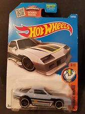2016 Hot Wheels #126 - Muscle Mania 6/10 : Camaro Z28