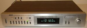 AKAI AT-V04 FM AM Stereo Digital Synthesized Tuner, excellent
