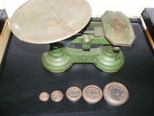 VINTAGE / ANTIQUE SHOP WEIGHING SCALES C/W ORIGINAL WEIGHTS
