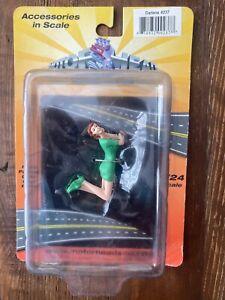 Motorhead Miniatures Figurine - Darlene (1/24 scale, Green) 237 Diorama NEW!