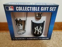 NEW YORK YANKEES COLLECTIBLE GIFT SET - BRAND NEW