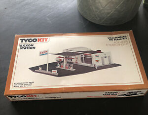Tyco Kit Exxon Station HO Scale Kit No. 7762  VINTAGE w/ BOX