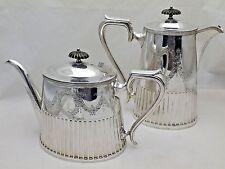 Antico di buona qualità Silver Plate TEIERA E CAFFETTIERA Cerniere a scomparsa