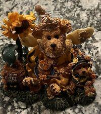 Boyds Bear Bearstone Victoria Regina Buzzbruin.So Many Flowers, So Little Time